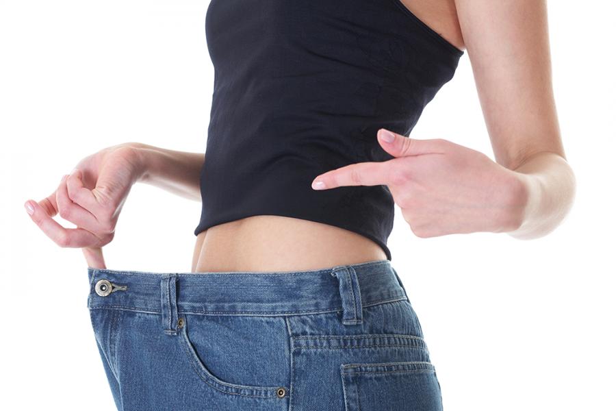 """عملية شفط الدهون ونحت الجسم بتقنية """"Light Lipo"""""""